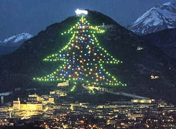 gubbio in the region of umbria is home to the worlds largest christmas tree - Biggest Christmas Tree In The World