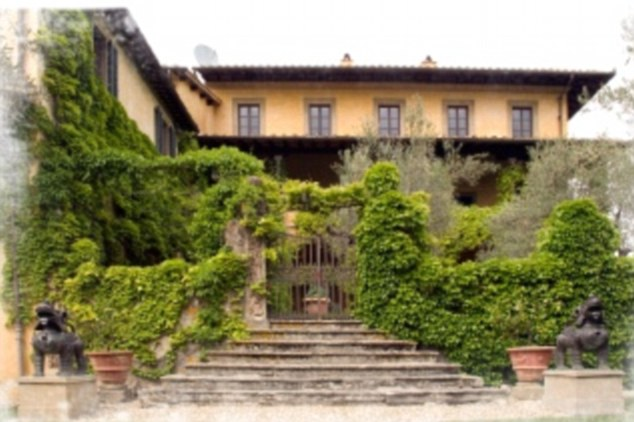 Rent sting 39 s villa in tuscany italy travel for Rent a house in tuscany