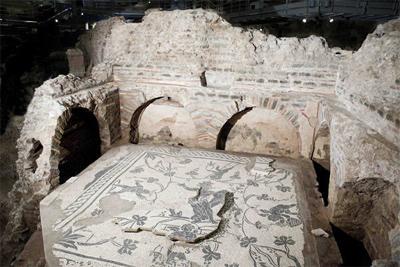 roman-necropolis