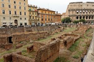 800px-Ludus_magnus_Rome_2006
